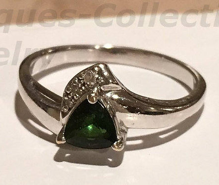 Rare Vintage 14k White Gold Trillion Cut Green Diopside Gemstone Ring Size 7.5