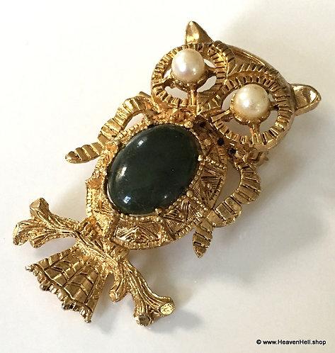 Large Vintage Owl Pendant Pin Brooch Green Jade Gold Tone & faux Pearl Eyes