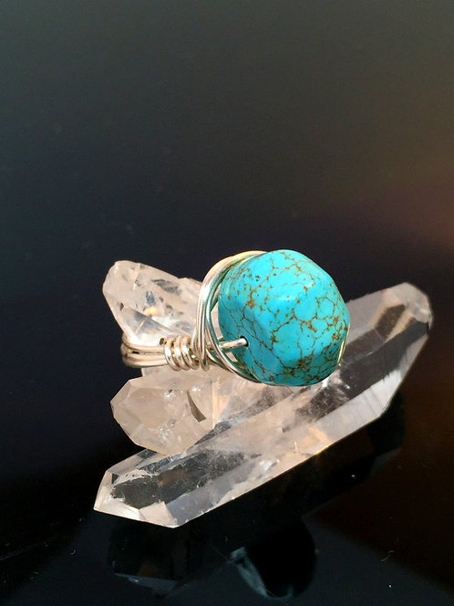 Wire Wrapped Boho Chic Minimalist Turquoise Gemstone Ring Size 7