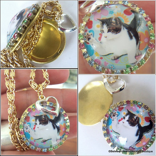 Funky 1960's Cat Kitten Cameo Locket Rhinestone Charm Necklace
