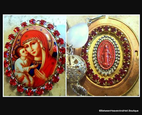 "2"" Large Red Rhinestone Madonna and Child Cameo Locket Shrine Pendant"