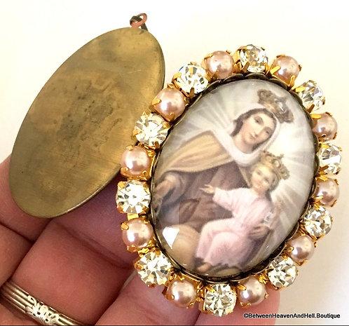 Vintage Our Lady of Mount Carmel Prayer Locket Cameo Pendant Virgin Mary Jewelry