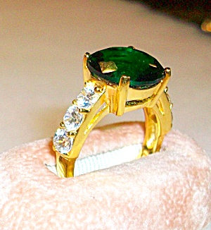Vintage Ladies Yellow Gold Plated Emerald Green & Cz Ring 8