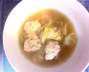 白菜と鶏団子のスープ_edited.png