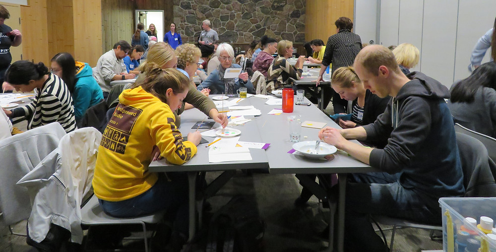 MNO Grand River Métis Council taught Métis beading and  dot art to youth and seniors on Nov. 5.