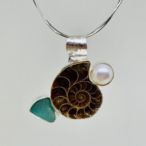 Amonite and Pearl Necklace