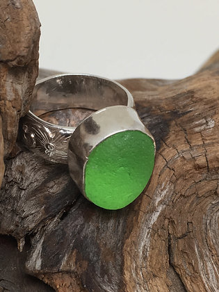 Lime Green Seaglass Ring, Size 5
