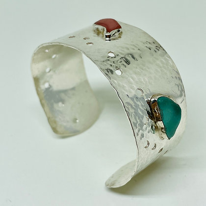 Pebbles Cuff with Assorted Seaglass