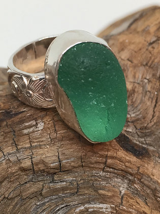 Bright Green Seaglass Ring, Size 5.5
