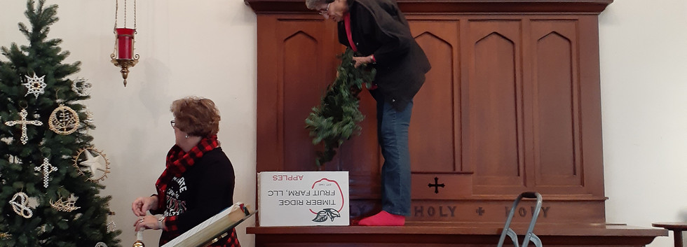 Decorating the church_4.jpg