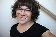 Vicky Cassis, CMT