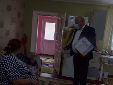 В День города Вулканешты примар поздравил одну из семей с Золотой свадьбой