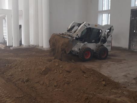 В Вулканештском храме проводят засыпку и трамбовку грунта