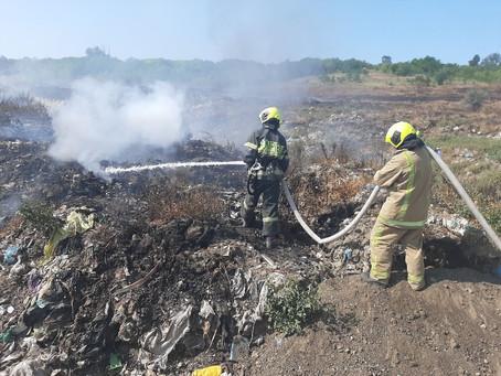 В Вулканештах продолжаются работы по устранению возгорания на мусорном полигоне