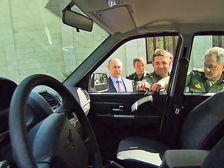 Генерал сорвал ручку машины показывая Путину