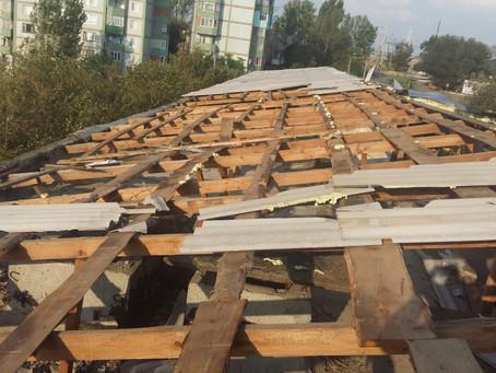 Последствия стихийного ветра в городе Вулканешты