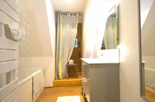 salle-de-bain-gite-chaumiere-eure.png
