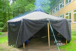 Jurte auf dem Schulhof der Waldschule Eichelkamp