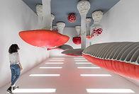 Visitez avec notre guide francophone la Fondation Prada et découvrez l'architecture surprenante de la fonadation et collection d'art.