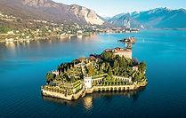 Imprégnez-vous des magnifiques paysages du lac au cours d'une excursion privée sur bateau autour des îles Borromées. Vous glisserez le long de jardins luxuriants bordant le lac et vous vous arrêterez pour admirer le Palais Borroméen ...