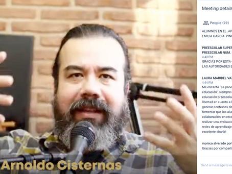 Arnoldo Cisternas en conferencia para profesores de México