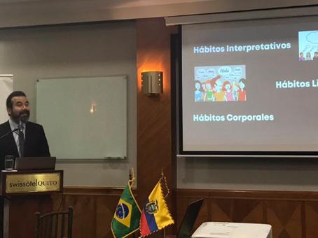 Arnoldo Cisternas comparte conceptos de la Nueva Educación aplicada a los negocios en Ecuador