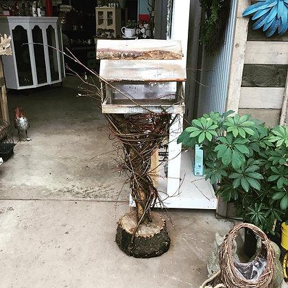 4.5 foot willow bird feeder