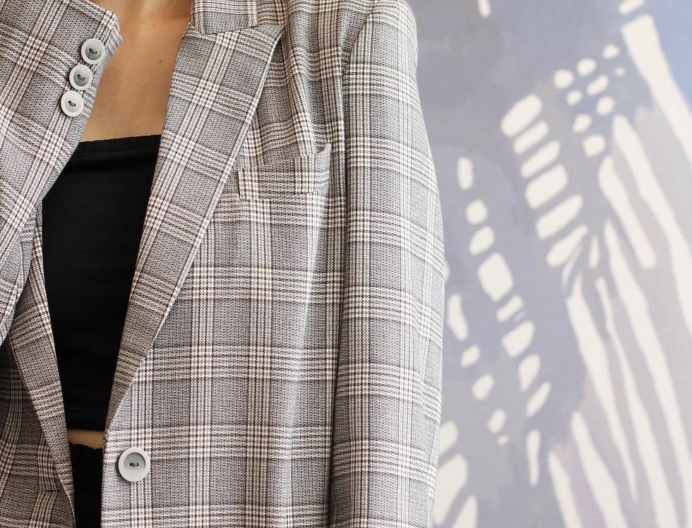 Пиджак в мужском стиле  в клетку