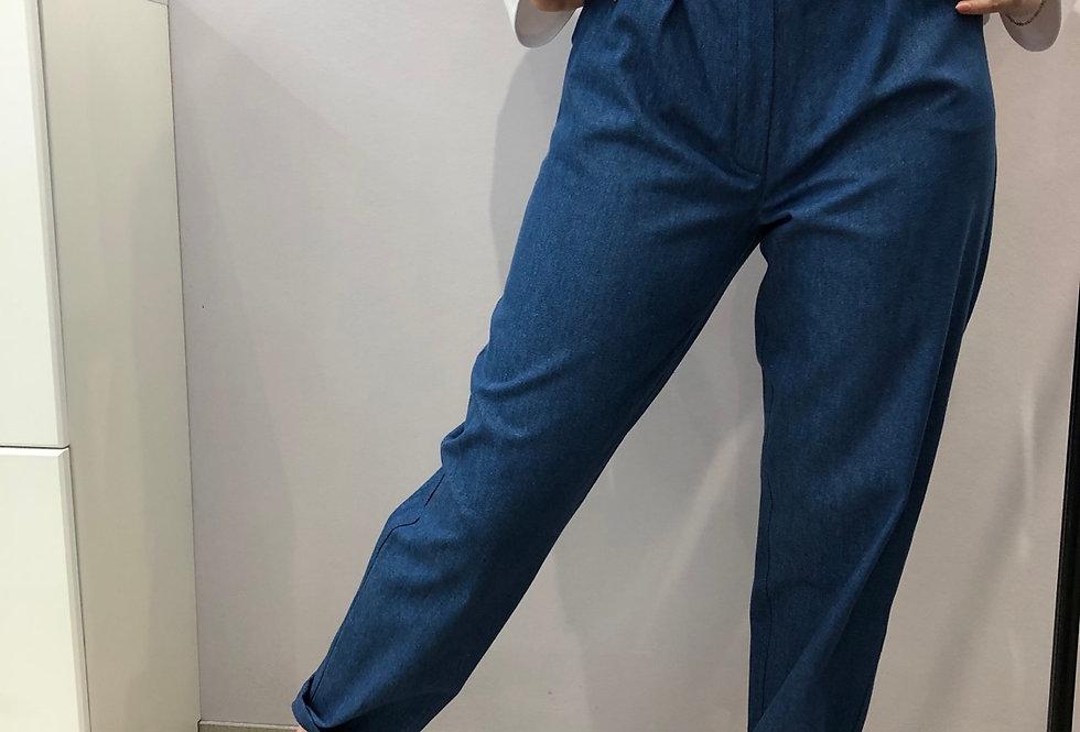 Брюки бананы из джинсовой ткани