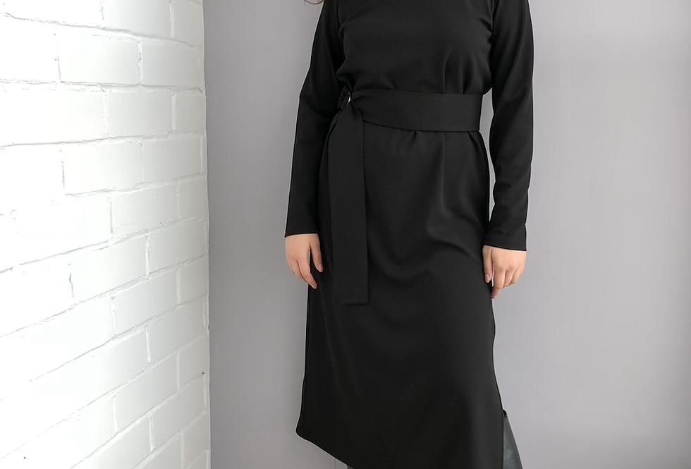 Силуэтное платье из крепа