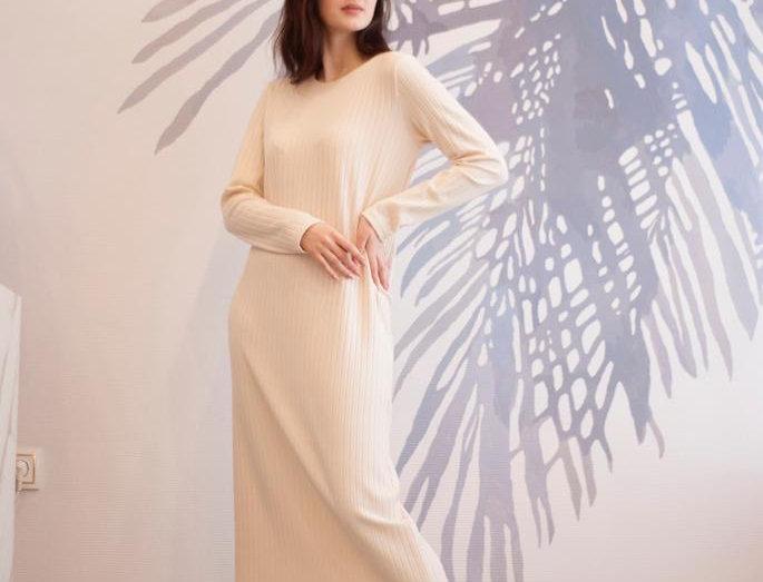 Платье-водолазка без горла