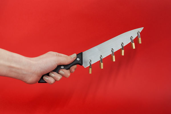 PADLOCK KNIFE 2.jpg