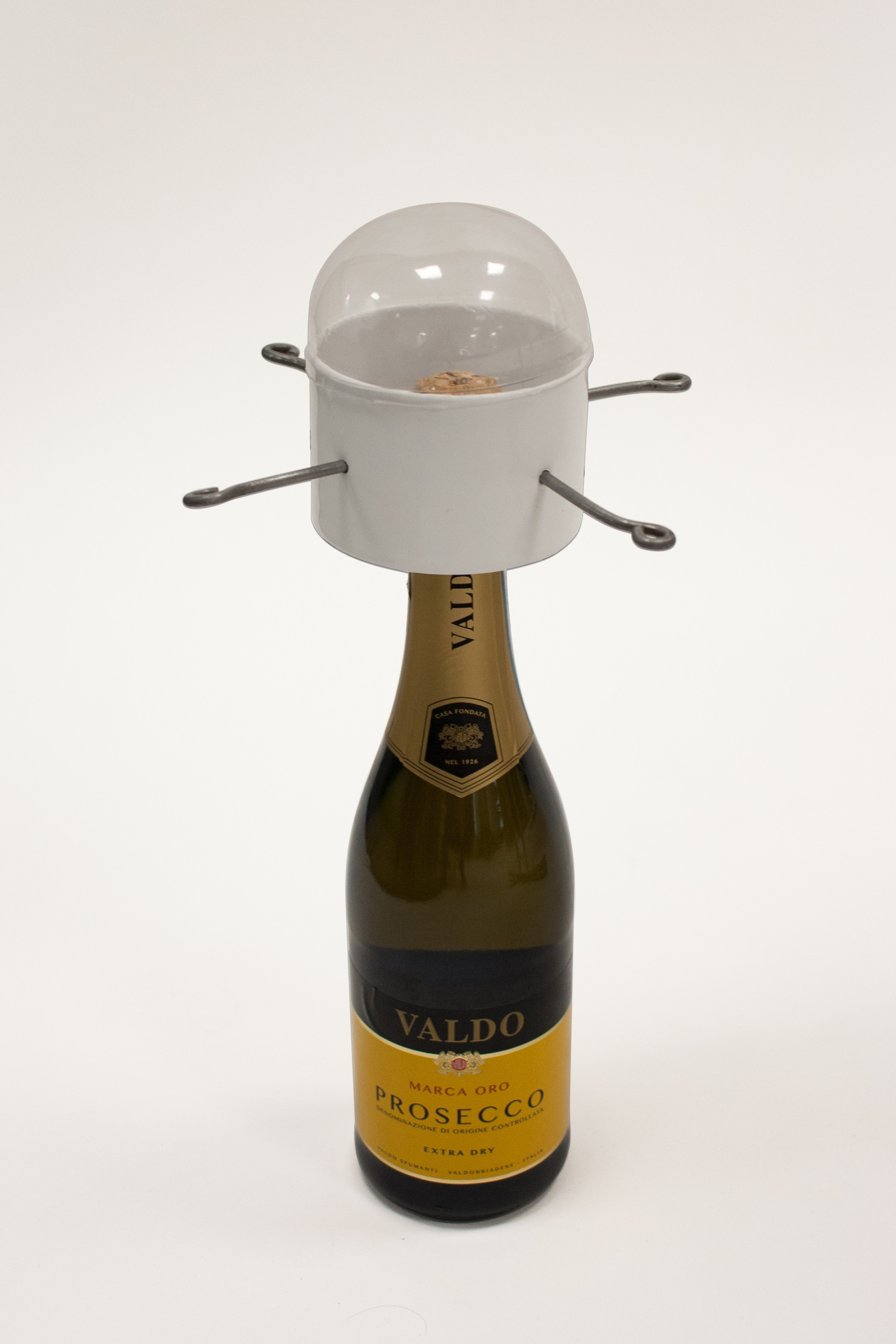 CHAMPAGNE POPPER LONG VIEW LID STUDIO WH