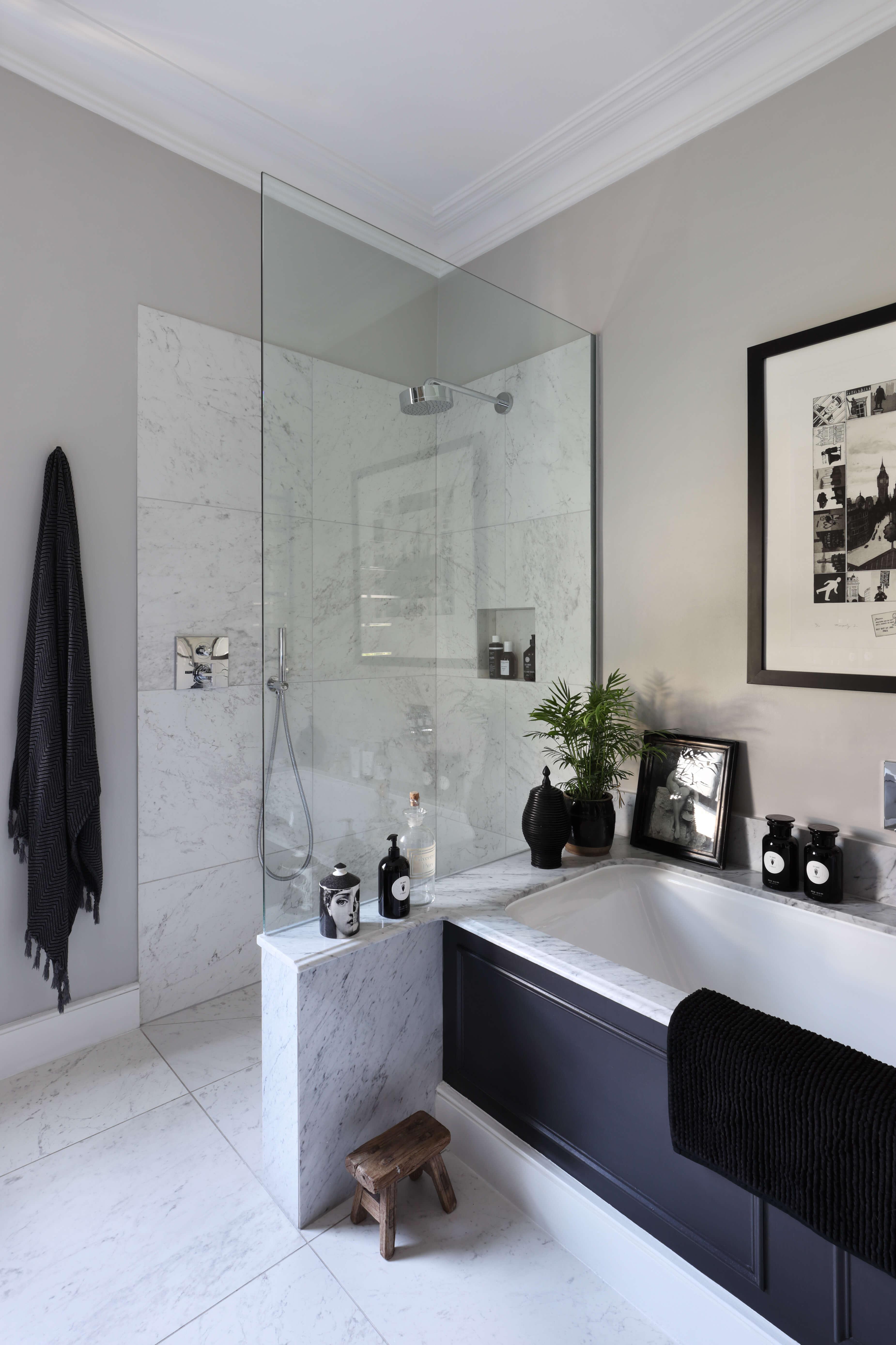 Shower in en suite at Shepherds Bush