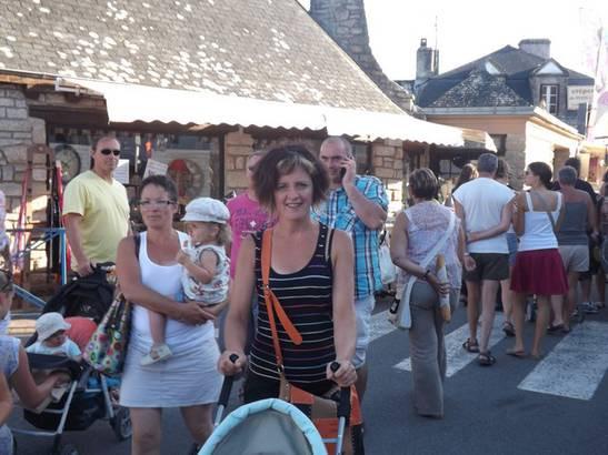 Braderie_à_Damgan_-_Restaurant_Latitude_47°.jpg