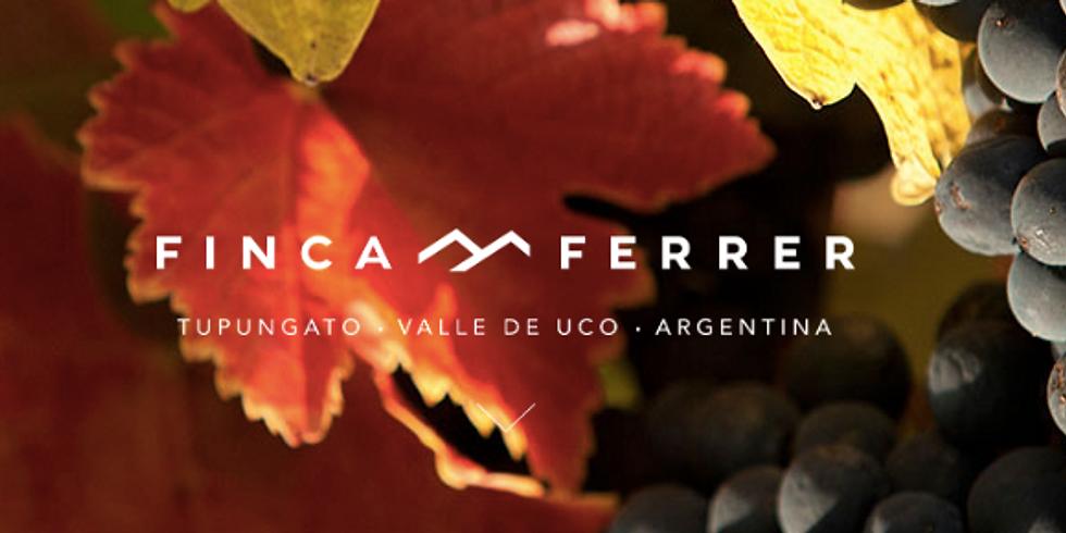 Se parte de un evento exclusivo con la visita del enologo de Finca Ferrer