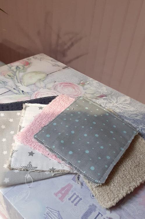 5 lingettes reutilisables en coton éponge et tissu .pochette