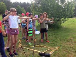 Учимся стрелять из лука.
