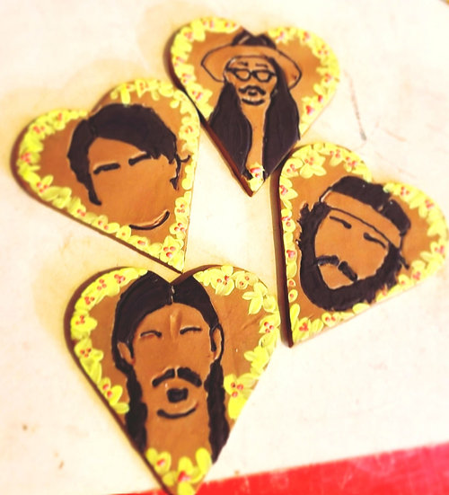 "Merry ""Avett-mas"" Heart Ornament Set"