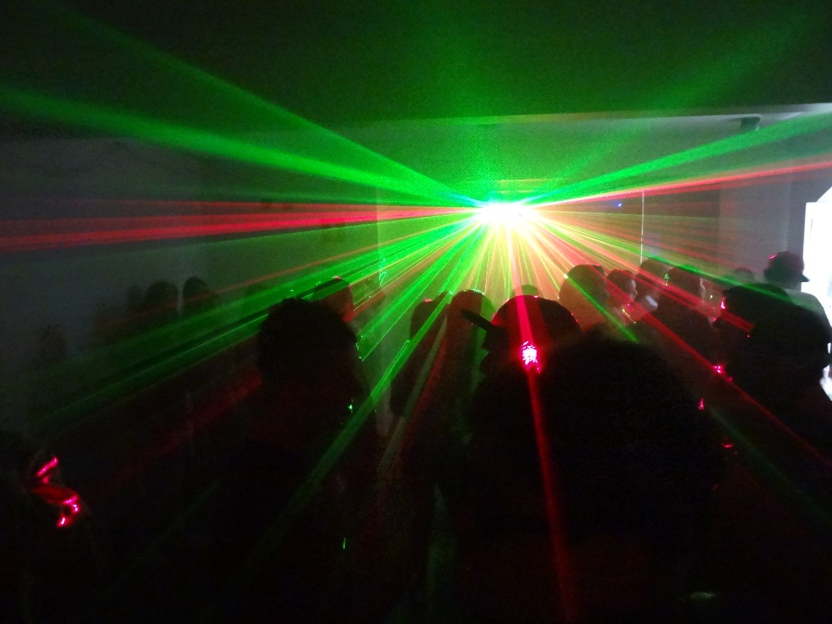 laser-4-saidas-2x-vermelho-2x-verde-promoco_MLB-F-4081176483_042013.jpg