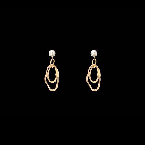 Matte-gold finishing asymmetrical drop earrings