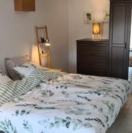slaapkamer beneden met twee 1-persoonsbe