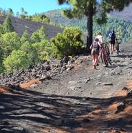 mountainbiken op de vulkaan