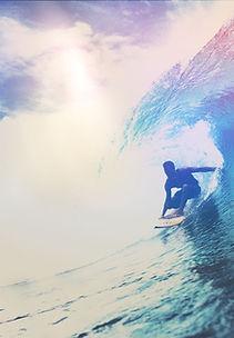サーファーのライディング波