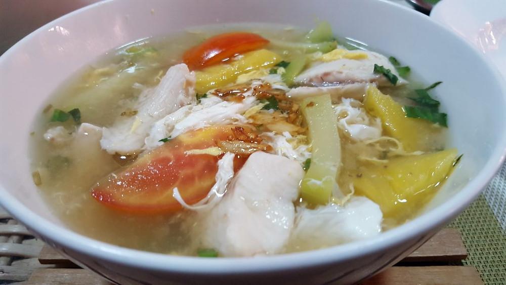 Soupe aigre à la vietnamienne - « sâmlâ mchu yuon »