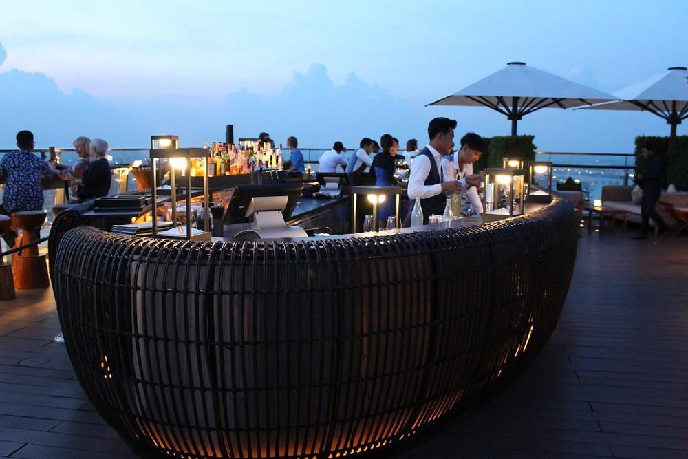 Bar sur la terrasse du Sora (Crédits photo : Pascal Médeville