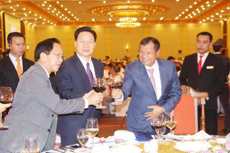 Cérémonie célébrant le soixantième anniversaire des relations diplomatiques entre la Chine et le Cambodge à Siem Reap.