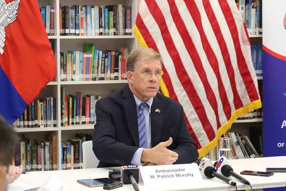 L'ambassadeur au Cambodge W.Patrick Murphy
