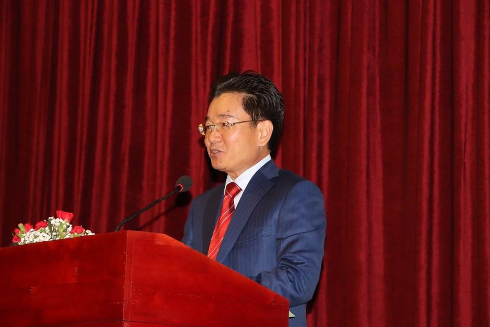 SE Kun Nhem pendant la présentation de la réforme de modernisation des douanes