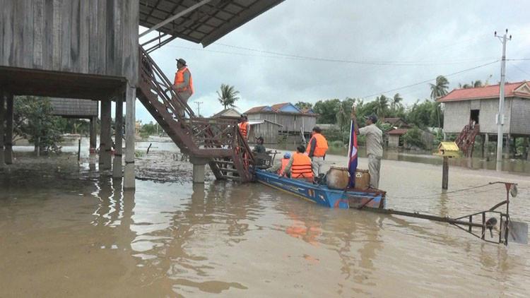 Les inondations tuent 11 personnes